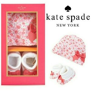 Kate Spade New York Cap&Bootie Set